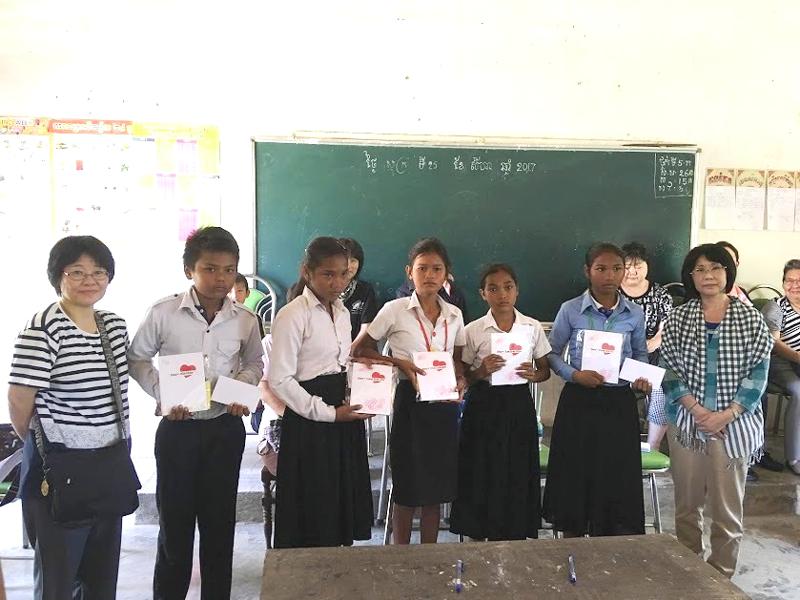 世界平和女性連合(WFWP)カンボジアでの活動の様子