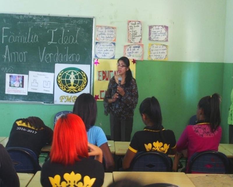 世界平和女性連合(WFWP)ドミニカでの活動の様子