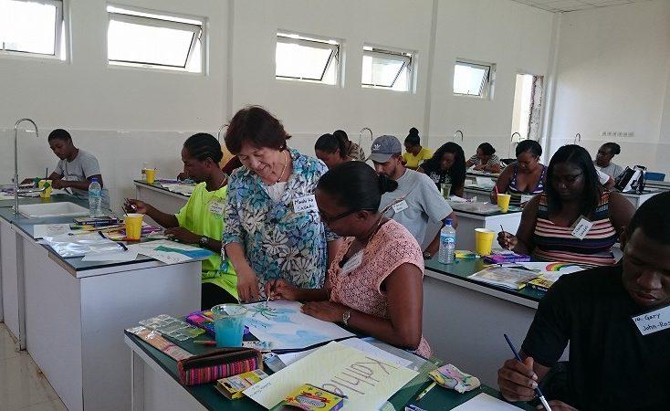 世界平和女性連合WFWPドミニカ国美術教育支援