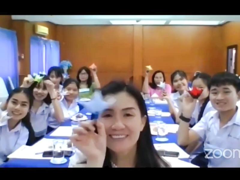 世界平和女性連合WFWPタイ里親支援奨学金授与式③